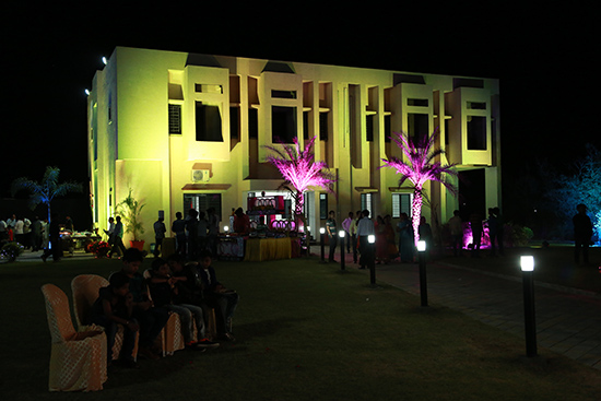 Lawn VIP Rooms and Banquet Hall