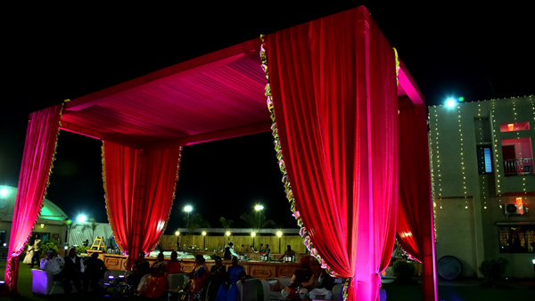 wedding venue mandap decoration